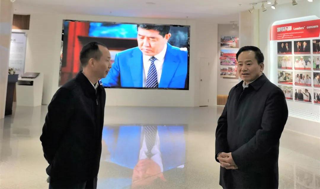 长沙高新区党工委书记周庆年一行赴九芝堂开展走新春活动